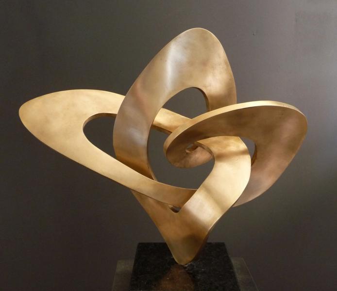 Jenseits von Raum und Zeit, 2009, Bronze, Höhe 50cm. Aus dem Booklet der Auststellung 'Am Rande der Materie', Schweden 2009.